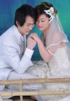 新娘 新郎 背景 漂亮 女人 男人 娇艳 婚纱样板图片