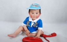 打电话的宝宝图片