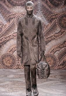 2010秋冬 Alexander McQueen发布会高清大图图片