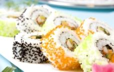 鱼籽反转寿司图片