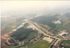 官桥村八组航拍(1992年)图片