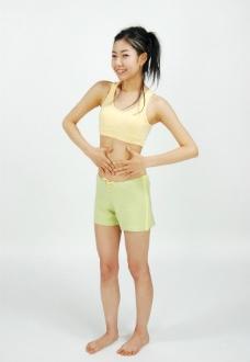 美女肥肚腩图片