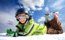 滑雪场快乐儿童图片